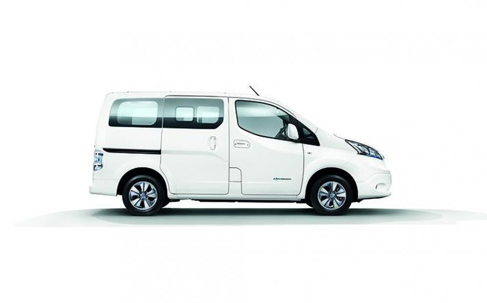 Фото Nissan e-NV200 2014. Фотографии Ниссан э-НВ200 2014 года